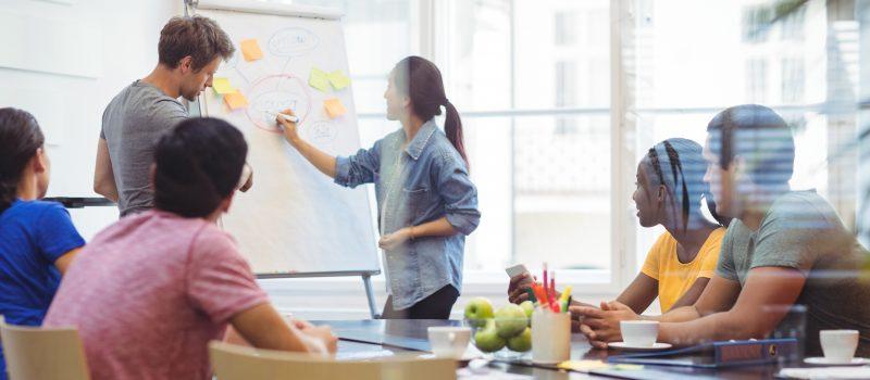 Pequenos negócios vencem no mercado apoiados pela comunicação corporativa
